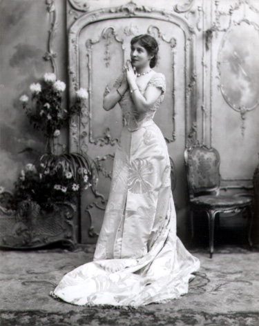 Lillie Langtry on stage, 1899