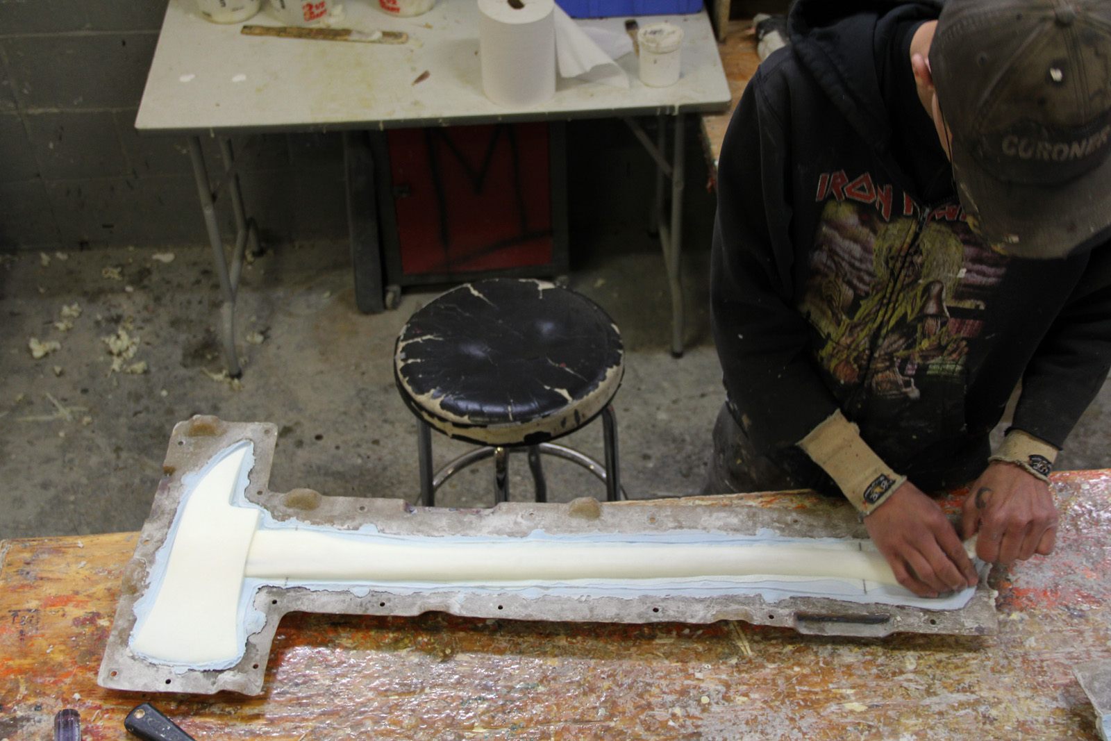 Demolding an axe
