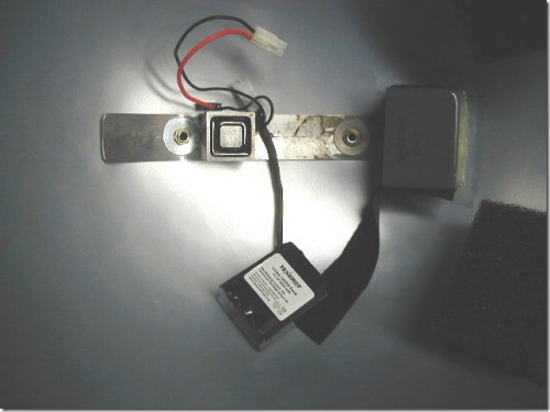 Battery and magnet