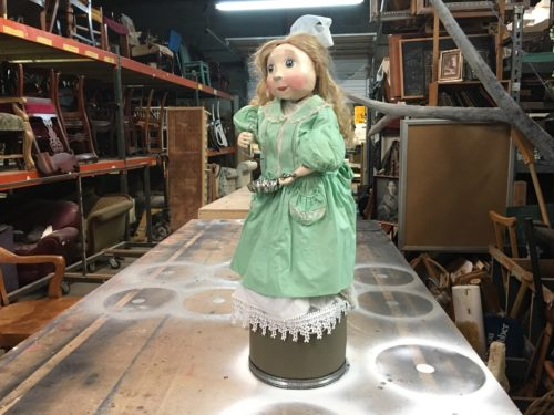 Fifi, the bubble blowing automaton